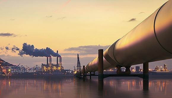 潜在飓风迫使油企停摆油价上扬