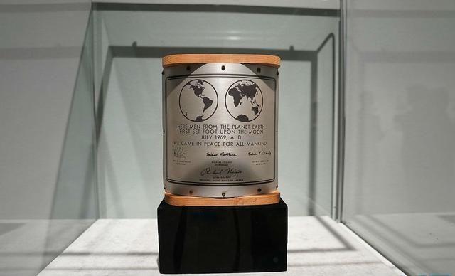 """纽约佳士得将拍卖""""阿波罗11号""""登月文物"""