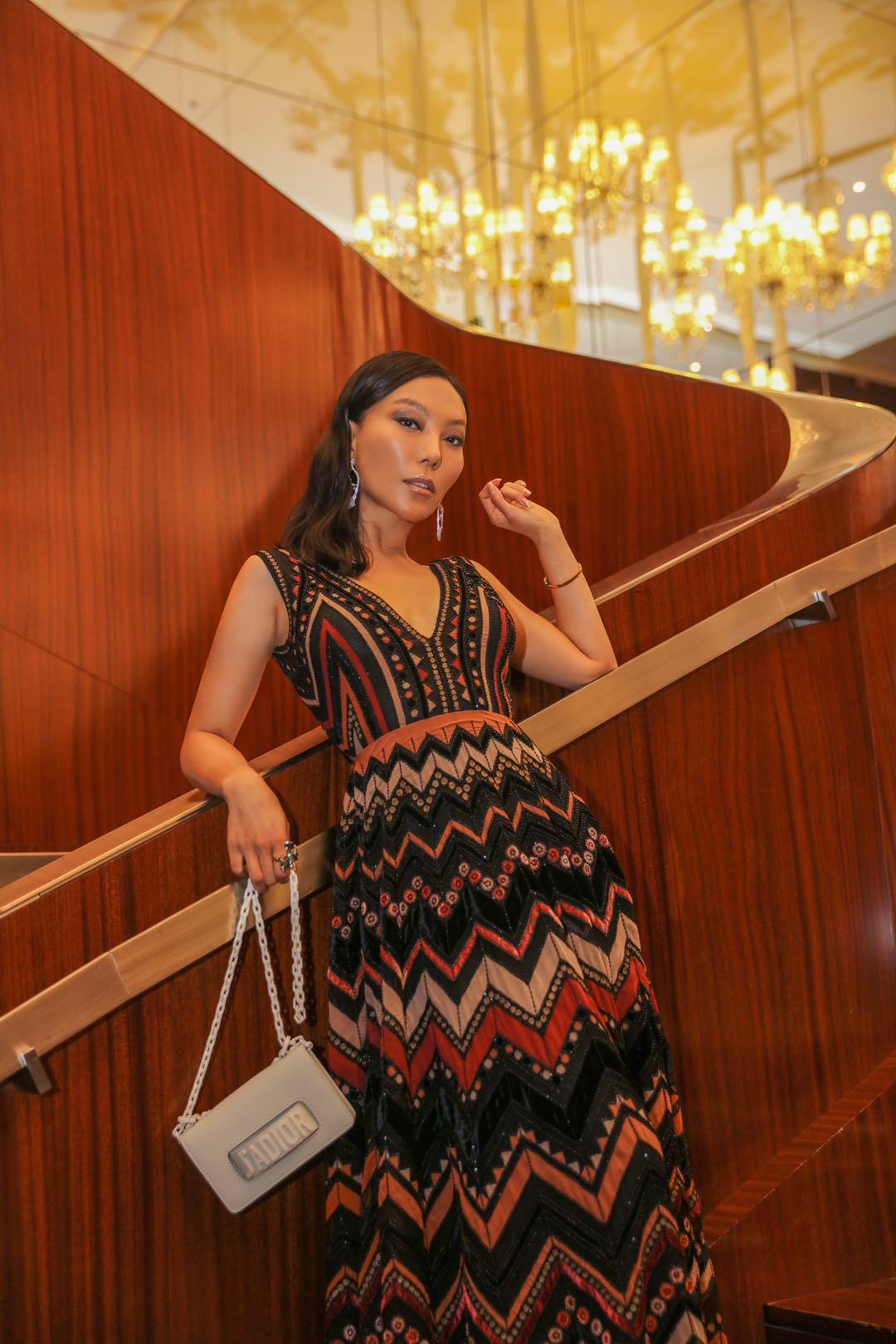 知名珠宝设计师万宝宝受邀出席迪奥2019秋冬高级订制系列发布秀
