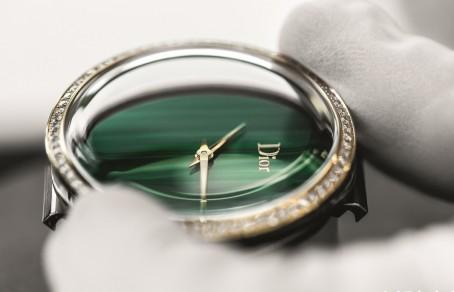 迪奥 La Mini D de Dior Satine腕表 展现本真魅力