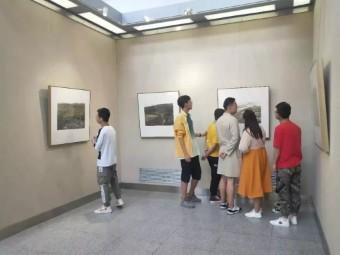 """""""面对黄土·范华中国画作品展""""在甘肃举行"""