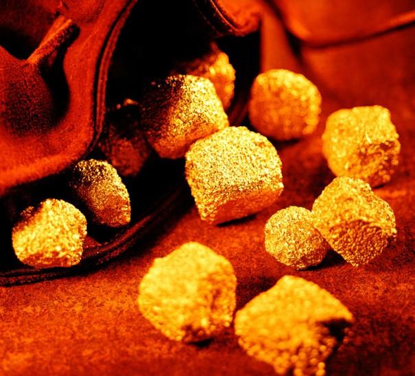 市场再度出现大波动 现货黄金飙升后急坠