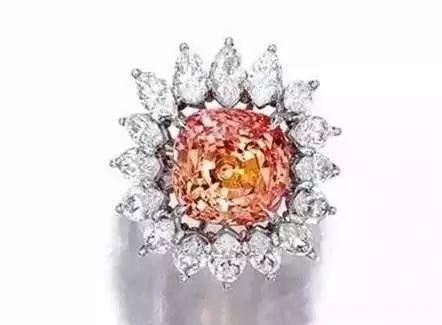 帕帕拉恰:各大拍卖行和高定珠宝的新宠