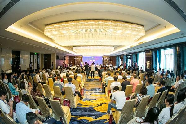 中国珠宝玉石首饰行业协会培育钻石分会成立大会召开