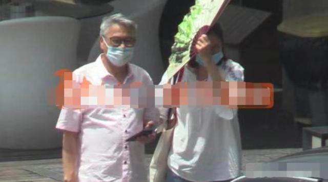 66岁吴孟达近照曝光 一头白发非常抢眼