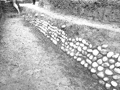 成都考古队发现隋唐时期摩诃池边的池苑建筑
