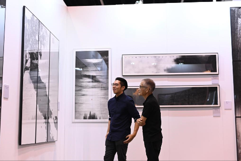 上海成为了艺术推广活动的兵家必争之地
