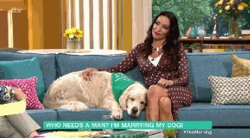 相亲200多次均未果 女模决定嫁6岁爱犬