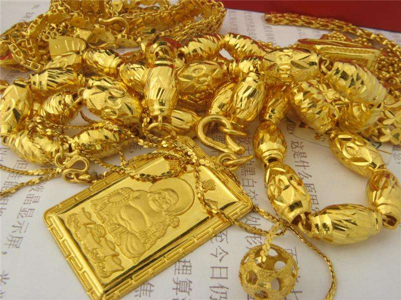 黄金多头蓄势再发 或涨向1560美元?