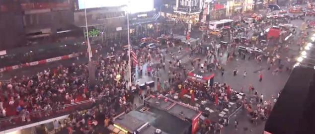 时代广场万人奔逃 警方迅速发推澄清事实