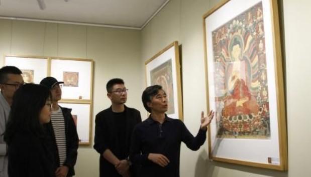 传统宗教壁画、摄影与传统藏纸相结合 带来审美新体验