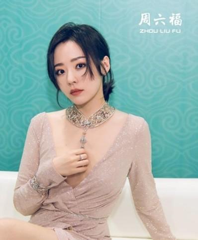 张靓颖发布周六福珠宝主题曲《一心一爱》