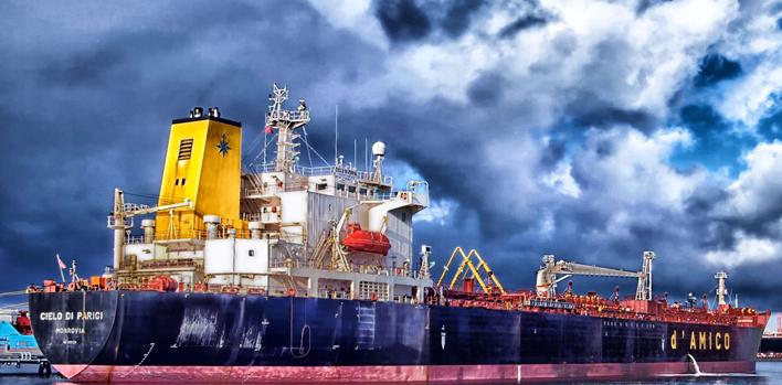 油轮去向不明地缘局势进一步恶化 短期内支撑油价上涨