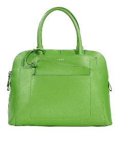 绿色是今年的流行色 那么绿色的包包自然是必备的