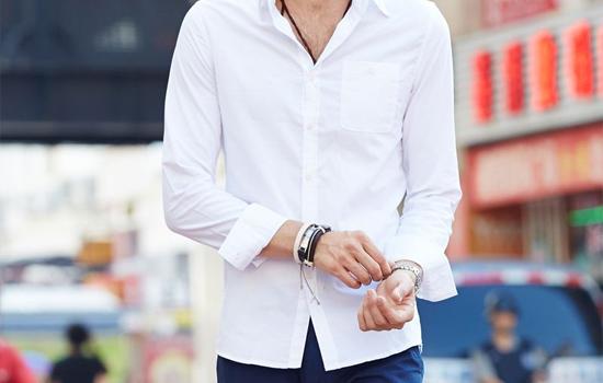 百搭白衬衫 搭配男青少年成熟中带点青春感