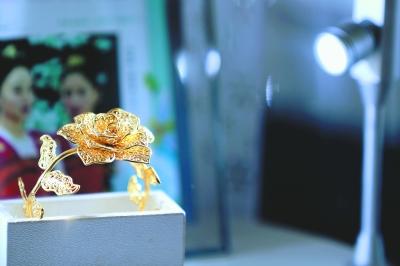 """""""中国银饰之乡"""" 从制造到创新"""