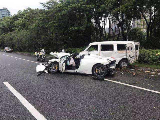 两车超载相撞致6死14伤 目前伤员生命体征平稳