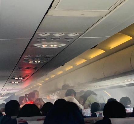 东航一航班返航 因巡航期间旅客充电宝自燃