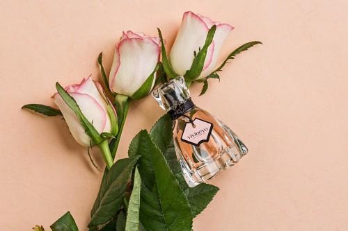 VIVINEVO维维尼奥香水 给顾客以视觉美的观感享受