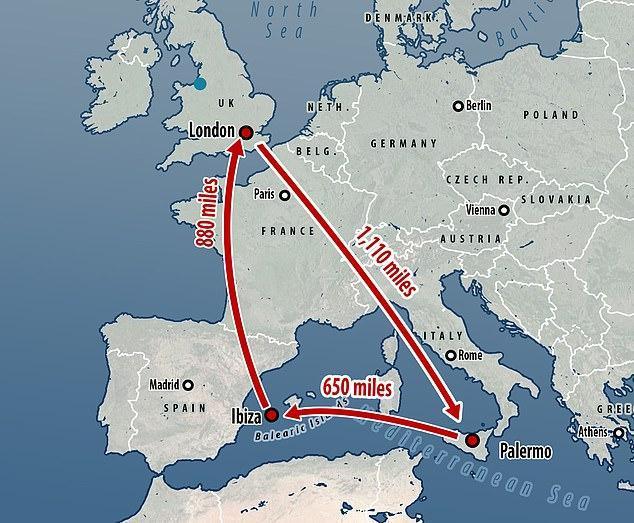 哈里王子与梅根王妃携小王子乘私人飞机前往伊维萨岛