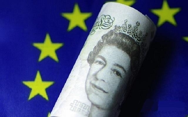 下周一准备再次劝说议会点头 英镑逢高出货是正道