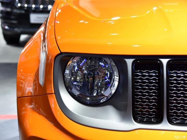 新款Jeep自由侠1.3T车型在2019成都车展正式上市
