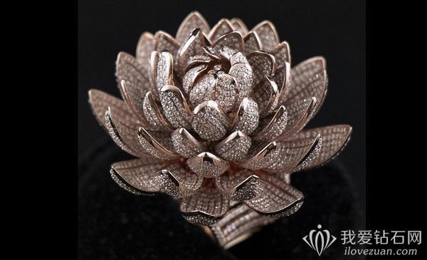 Lotus Temple钻戒以7777颗的镶钻数目打破吉尼斯世界纪录