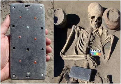 2100多年前 古墓现像iPhone文物