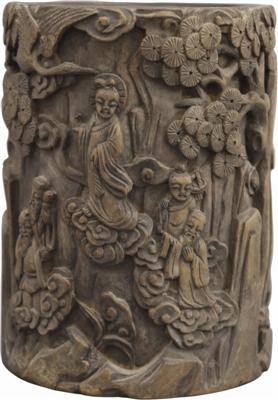 清代木雕人物花卉纹笔筒鉴赏