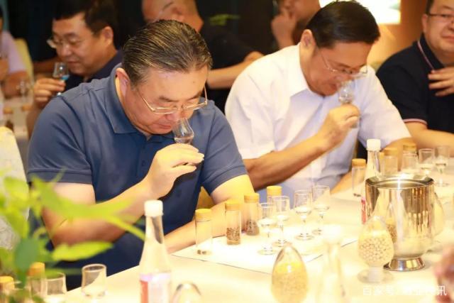 豫酒高端白酒品质典范彩陶坊天时(日月星)酒凭借过硬的产品品质 不负广大消费者众望