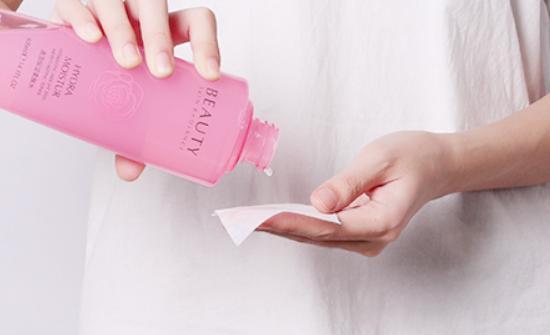 李佳琦晒出的一款玫瑰粉水火了 被称为平价版兰蔻