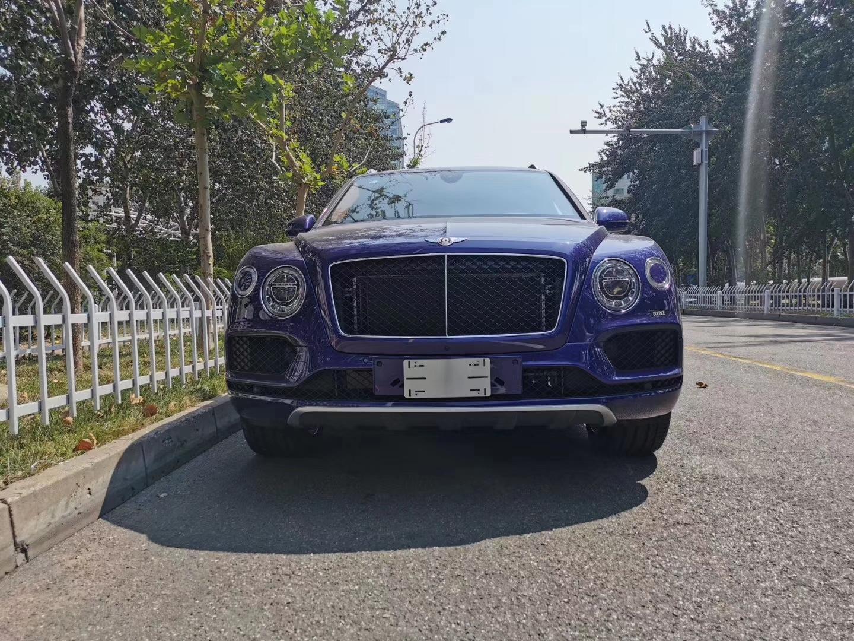 宾利首次打造SUV车型 19款添越4.0 外观你觉得怎么样?