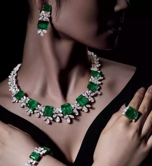 海瑞温斯顿祖母绿珠宝套装将亮相保利秋拍