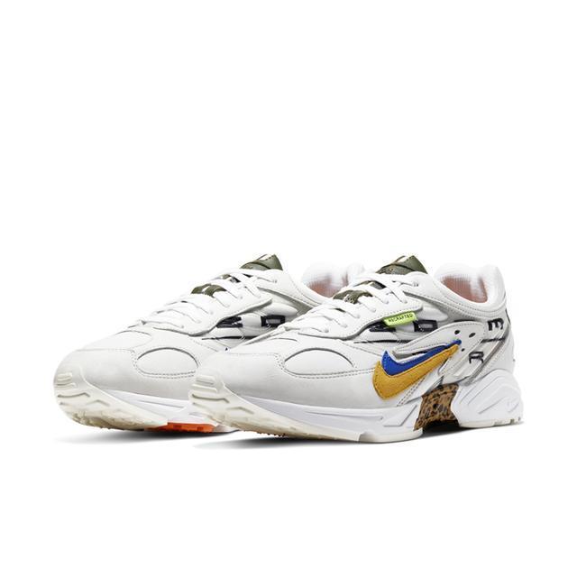 Nike经典跑鞋Air Ghost Racer推出了一款全新配色 风格与Sacai颇为相似