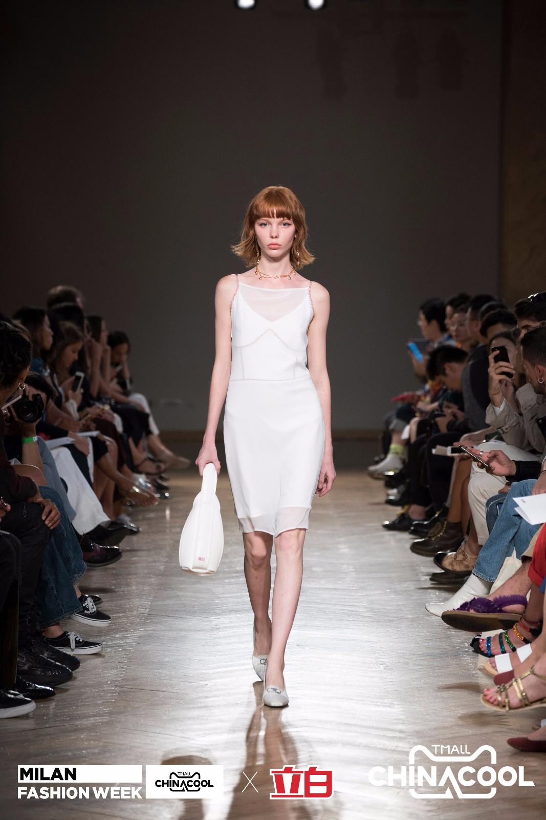 作为一个登上米兰时装周的中国衣物洗护领导品牌 立白到底是如何玩出国潮高级感的呢?