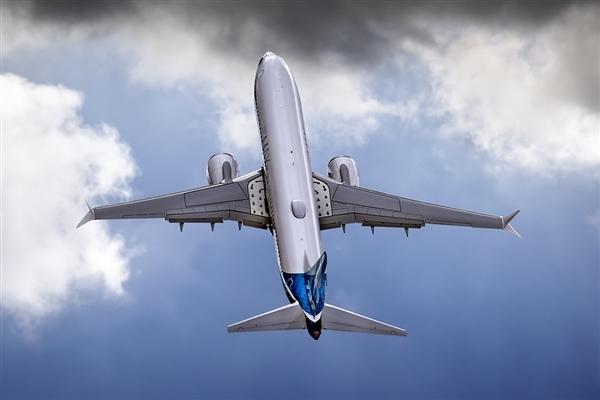 """""""共享飞机""""模式登陆国内 你也可以轻松实现拥有私人飞机了"""