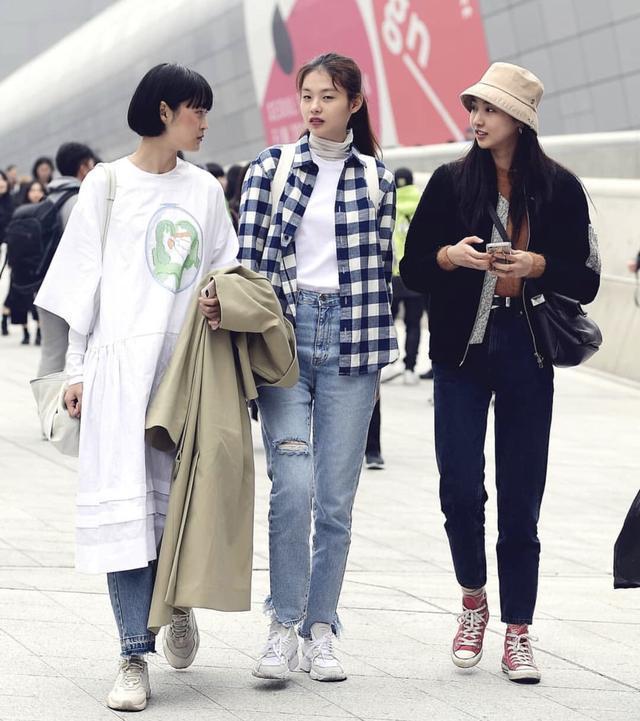 学韩国小姐姐街拍 教你轻松把运动风穿出大牌感!