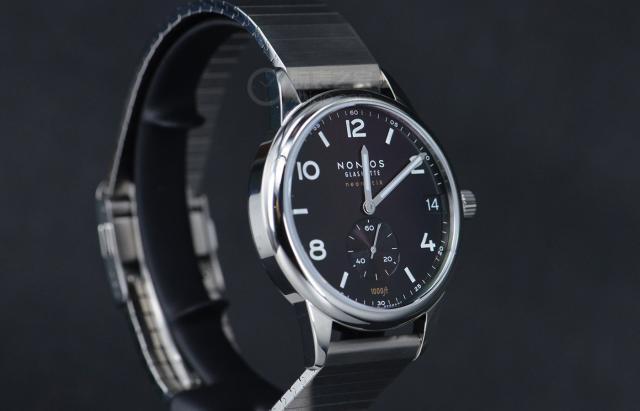 德国制表品牌NOMOS推出了一款全新的Club Sport腕表 与当代男士的阳刚魅力十分契合