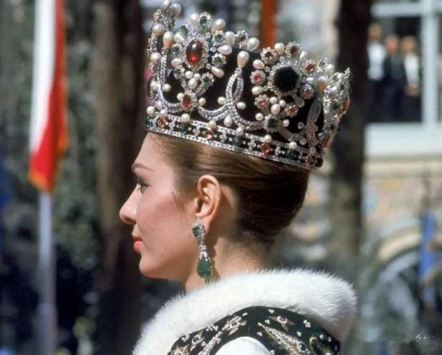 伊朗皇室才是珠宝收藏家!奢华的让人意想不到