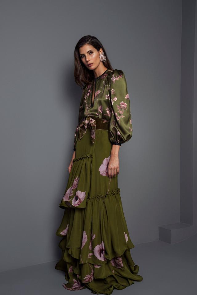 简单朴素风格穿搭 不带一点媚俗娇气 看上去整个造型的气质瞬间优雅时尚