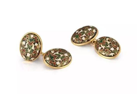 19世纪60年代 欧洲珠宝界出现了一股复古主义风潮 如今收藏的会是怎样的?