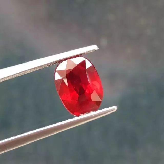 如何购买天然红宝石?这篇文章手把手教你