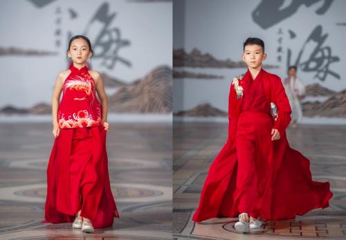继纽约时装周后 香港国际星小超模再次亮相