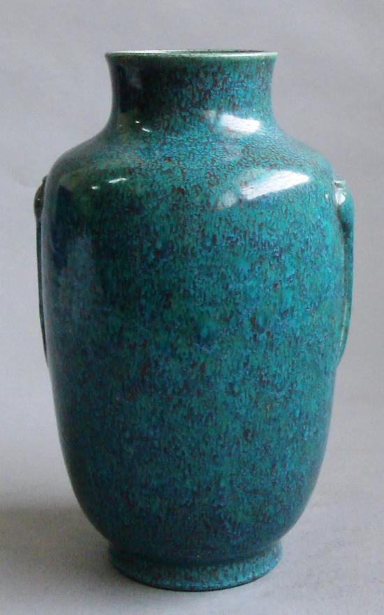 炉钧釉瓷的烧造工艺 呈现出一个又一个鲜明的时代特征