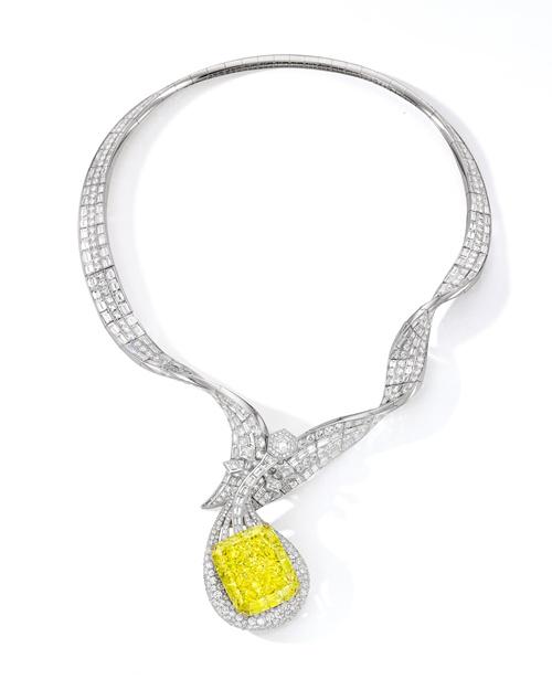 "ANNA HU""敦煌琵琶黄钻项链""的设计灵感"