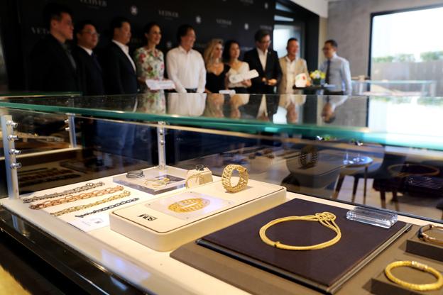 珠宝玉石等品目将先行实施消费税改革