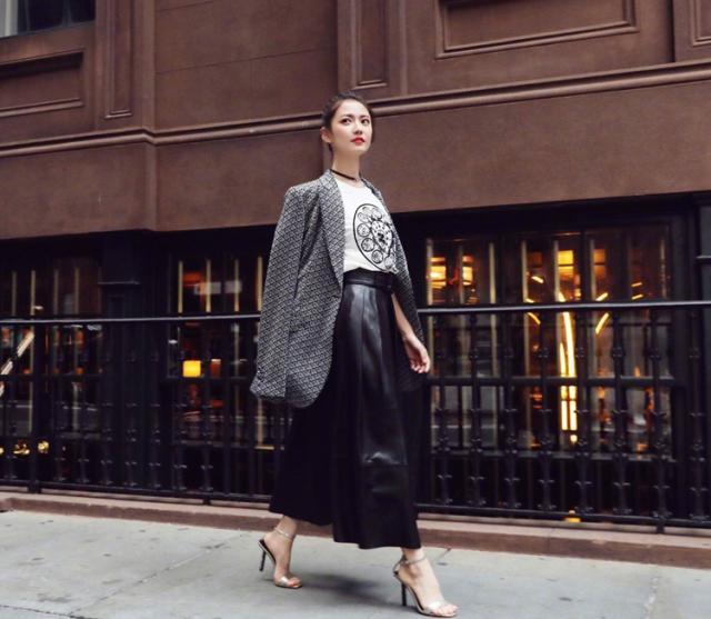 陈钰琪首次出席纽约时装周 造型全是看点!