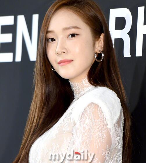 郑秀妍将出版小说 预计2020年发行