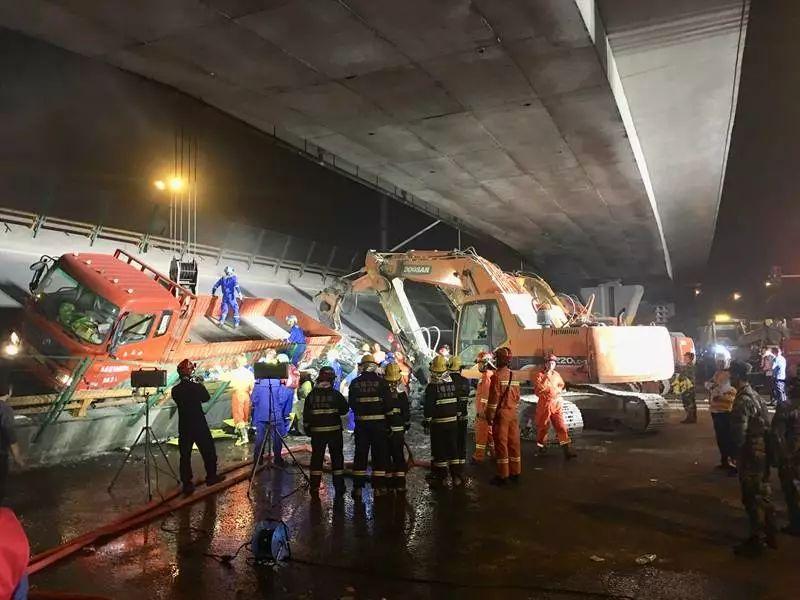无锡高架桥坍塌致3死2伤 高架桥倒塌惊险瞬间被拍到