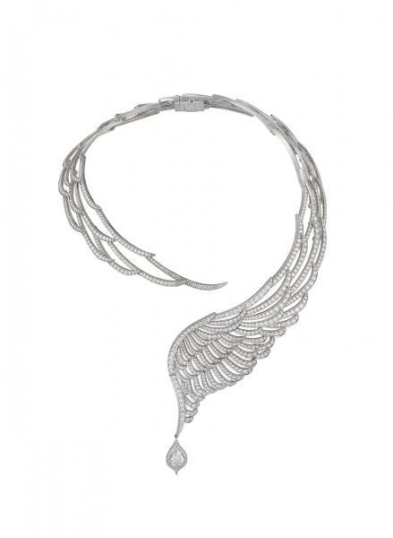 Natori已与直接面向消费者的珠宝公司Angara签署了第一份许可